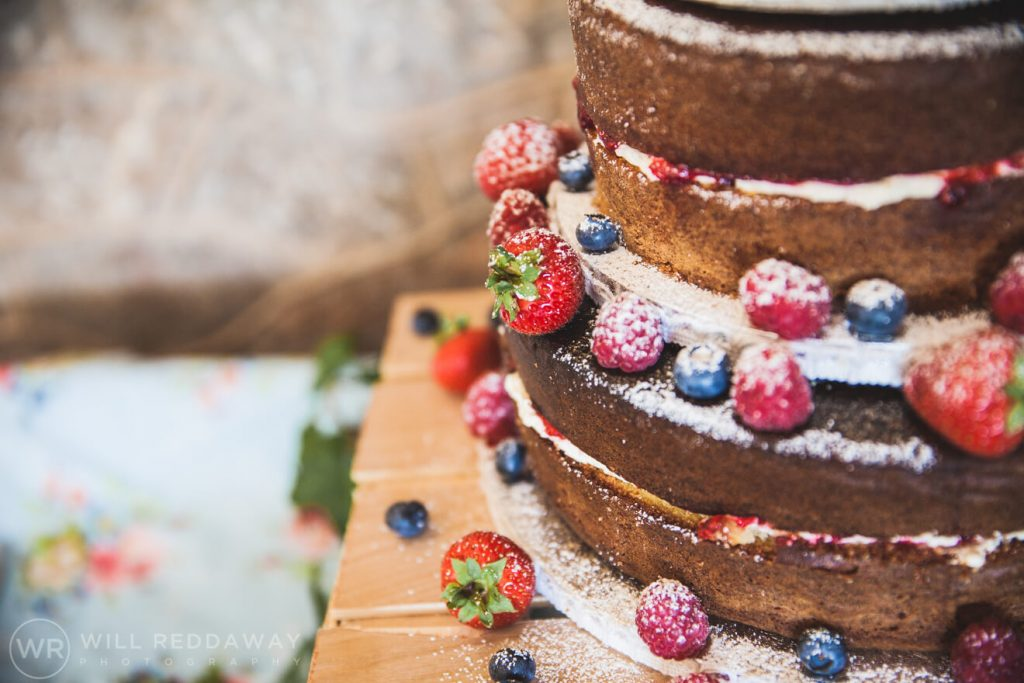 Brunel Manor Wedding | Devon Wedding Photographer | Wedding Cake