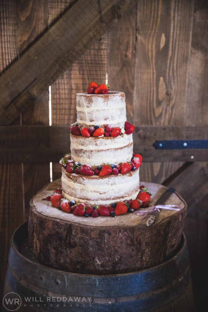 Barn Wedding | Devon Wedding Photographer | Wedding Cake