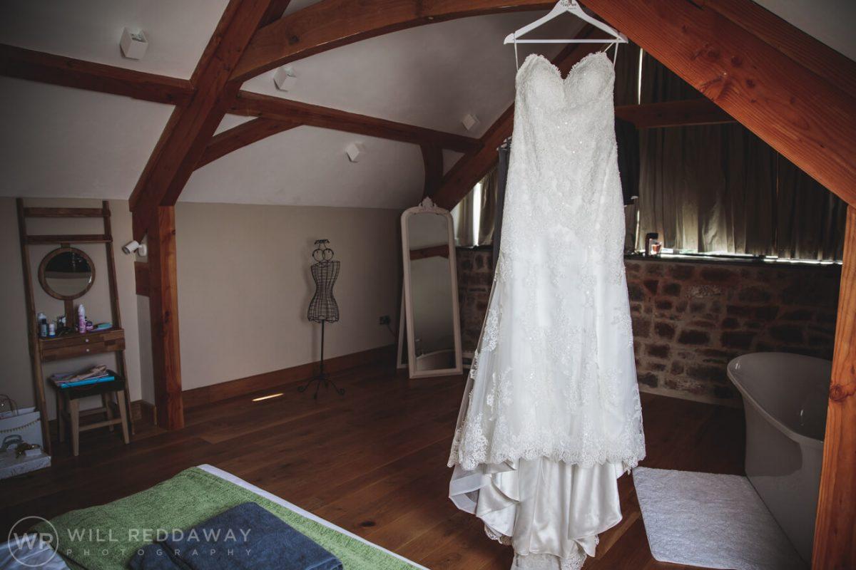 The Oak Barn Wedding | Devon Wedding Photographer | Bridal Preparations