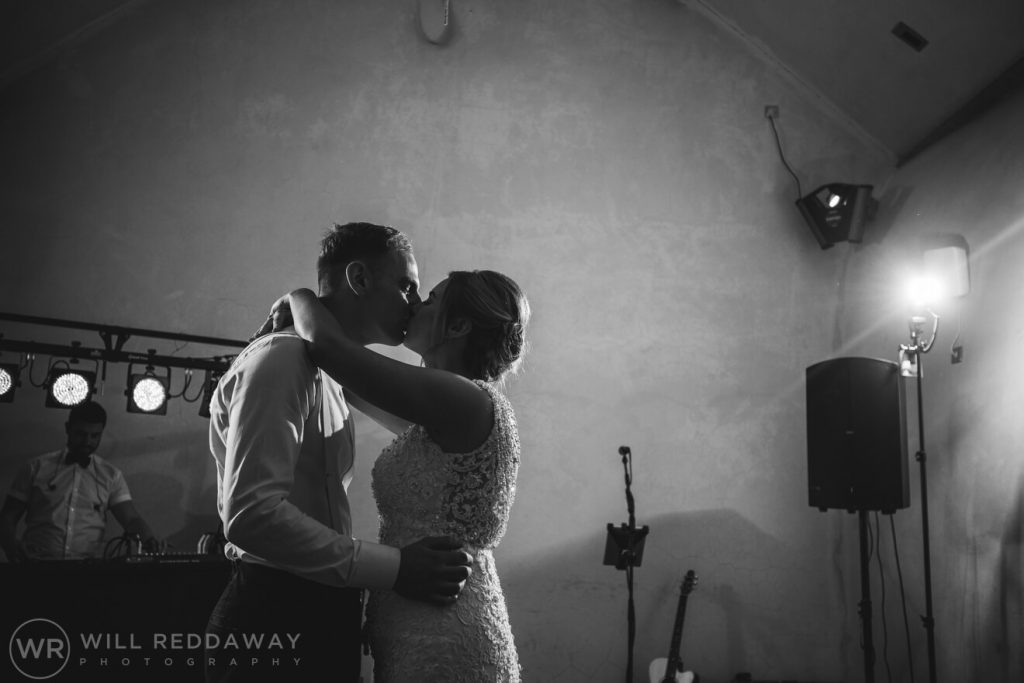 The Oak Barn Wedding | Devon Wedding Photographer | Firstdance